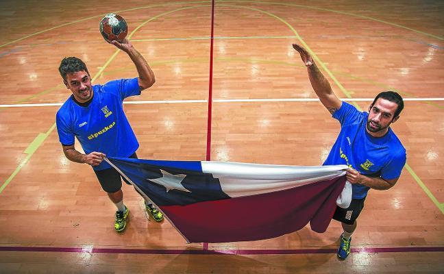 Rodrigo y Esteban, conexión chilena