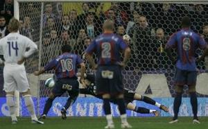 Rubiales secó al Madrid en la única victoria del Levante en el Bernabéu