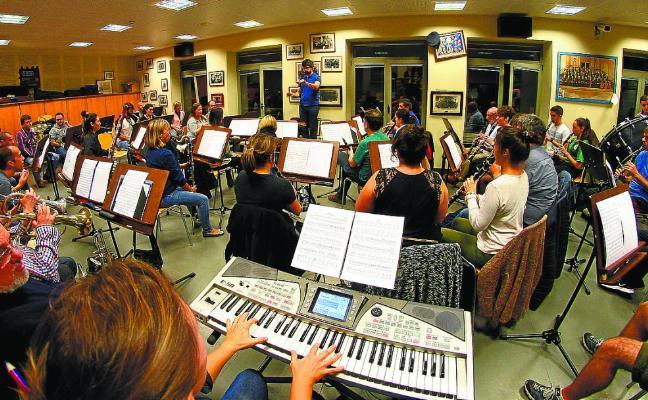 Errenteriako Musika Banda se prepara para llenar el Kursaal de música solidaria