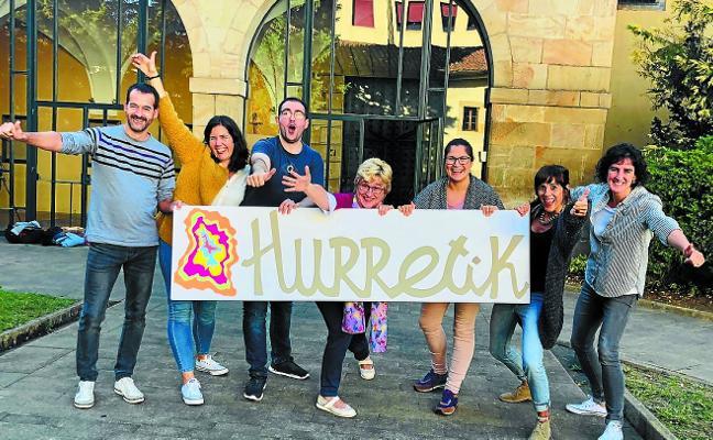 'Hurretik' desembarca en las aulas y Santa Ana
