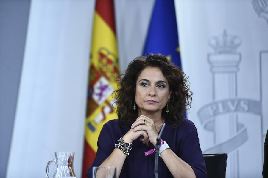 Montero exhibe frente al PP sus credenciales en materia de déficit: «Yo siempre cumplí»