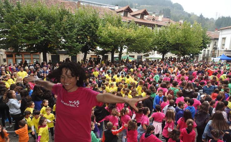 Éxito en la primera fiesta de la escuela pública de Debagoiena