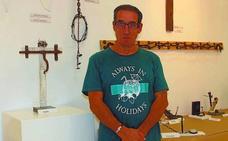 Esculturas y pinturas de Fernando Santibañez decoran la sala de Biteri