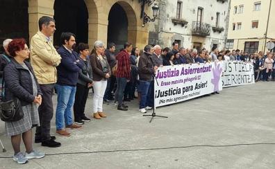 Vecinos de Urnieta expresan su repulsa por la agresión que costó la vida a Asier Niebla