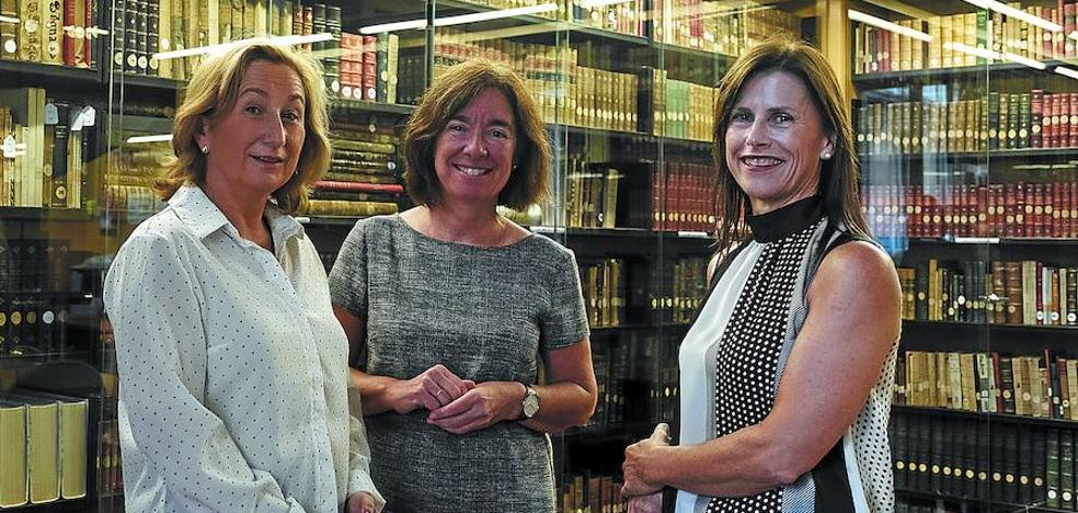 «Las bibliotecarias somos un gremio tapado por el estereotipo»