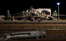 Al menos 18 muertos por el descarrilamiento de un tren en Taiwán