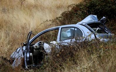 Fallece una niña de 5 años en un choque entre un turismo y un camión del Ejército en Salamanca