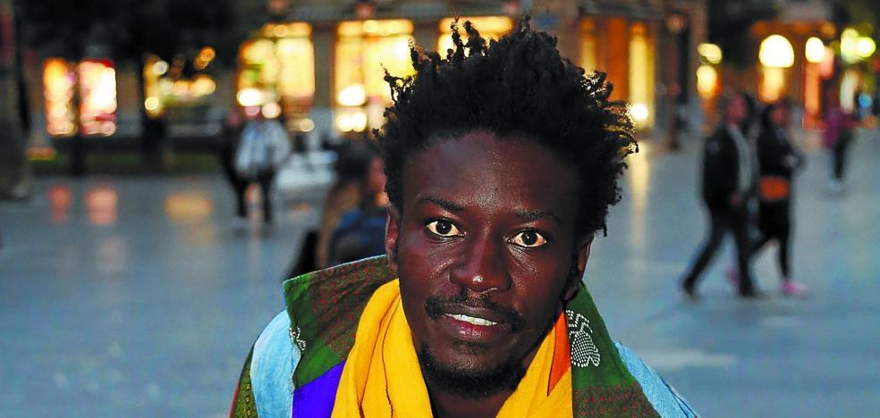 Mamadou: «Sobrevivir en un país europeo siendo inmigrante también es muy duro»
