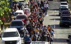 Una nueva caravana de 300 salvadoreños pone rumbo a EE UU