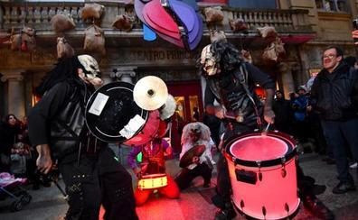 Los payasos psicópatas abren la fiesta del terror