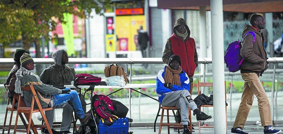 La llegada del frío pone a prueba los recursos para los migrantes