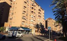 Una mujer se lanza desde una sexta planta con su hijo de 4 años en Murcia
