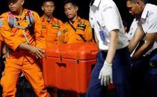 Indonesia encuentra una de las cajas negras del avión accidentado con 189 ocupantes