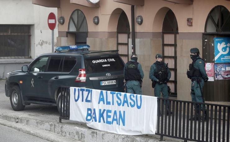 Tensión y alta presencia policial en Alsasua por el acto de apoyo a la Guardia Civil