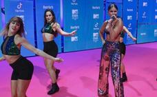 Las estrellas de los MTV comienzan a desfilar por la alfombra roja