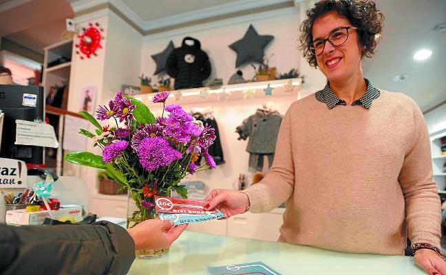 Cuarenta establecimientos de Errebal inician la campaña de activación comercial