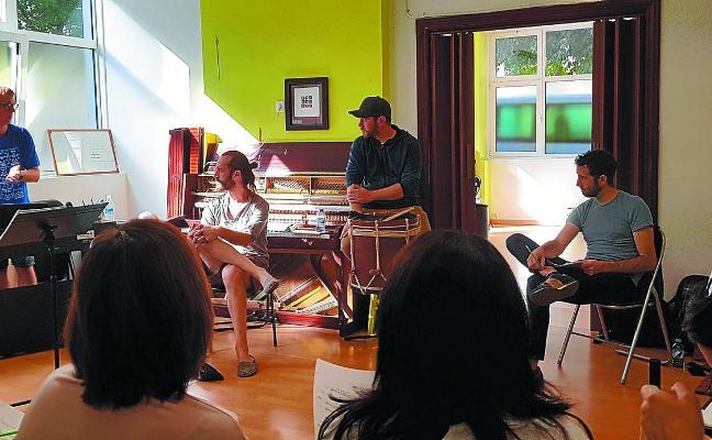 Kalakan y el coro Náyade se alían para ofrecer un concierto único en el Juncal