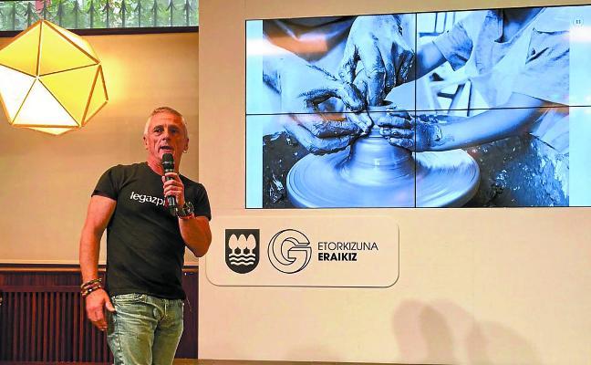 Txakel Urarte, premiado en el concurso de fotografía foral sobre el futuro de Gipuzkoa