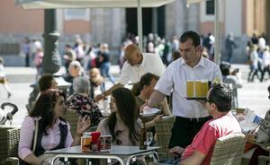 Bruselas prevé que España cree 80.000 empleos menos hasta 2020 por la subida del salario mínimo
