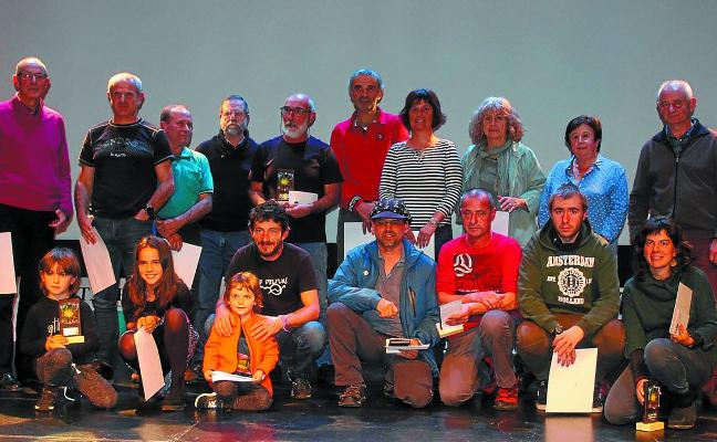 Mendiriz Mendi elkartea entrega los premios del Concurso de fotografía