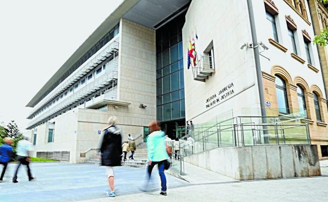 El Gobierno recurre que en Gipuzkoa se privatice la inspección fiscal municipal