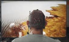 Adiós al mando a distancia, los fabricantes buscan controlar la tele con la mente