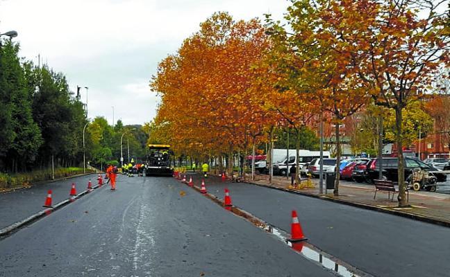 Los trabajos de asfaltado prosiguen esta semana en el barrio Itxas Mendi