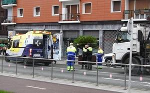 Fallece la ciclista arrollada por un camión en Bilbao
