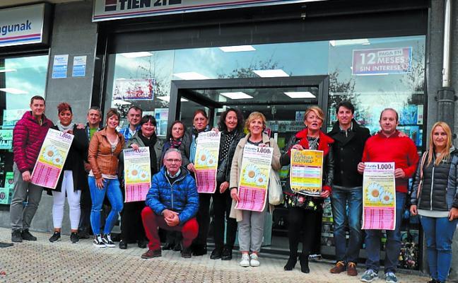 Aterpea inició su campaña cultural Leku Guztietan con el dúo de Joy Leboy