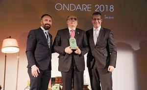 Euskaltzaindia recibe el premio Ondare por su trabajo a favor del euskara