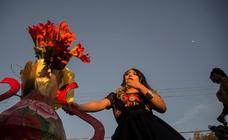 Vestidos de Tehuanas para celebrar la Regada