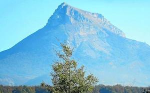 Una navarra de 24 años fallece tras caer desde una altura de 200 metros en San Donato