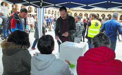 Las consultas de Gure Esku Dago se quedan en un 11,1% de participación en Donostia e Irun