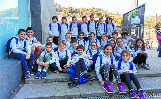 Los nadadores locales dejaron el pabellón alto en la cita de Tolosa