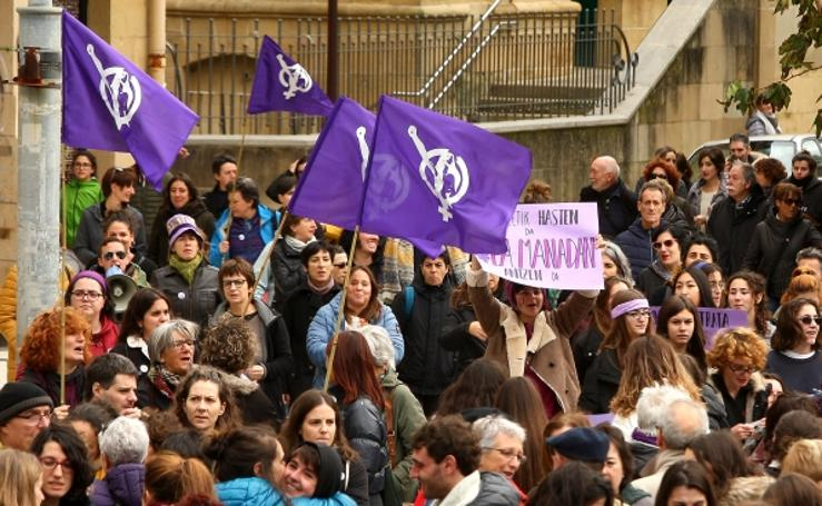 Manifestación contra la violencia machista en Donostia
