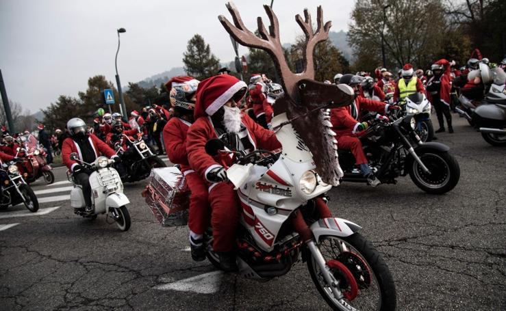 Santa viene sobre dos ruedas