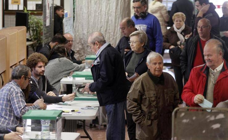 Las elecciones al Parlamento de Andalucía en imágenes