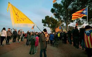 Los CDR vuelven a dejar excrementos y basura a las puertas de juzgados catalanes
