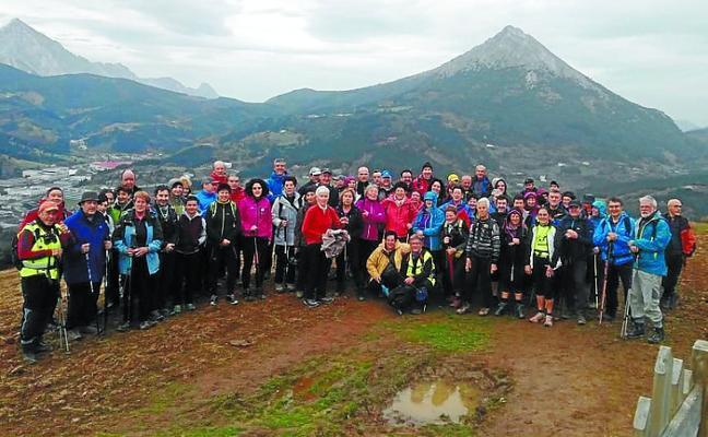 85 montañeros se sumaron a la II Arrasate Bira organizada por Besaide ME
