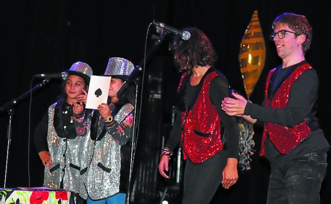 Gran espectáculo en el XII Festival de 'Nos gustan los sábados' de Jalgune