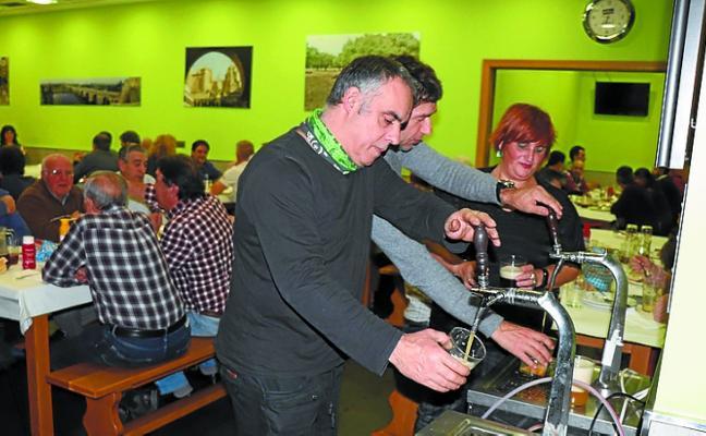 La Casa de Extremadura y la sociedad Lasartearra, de fiesta con su gente