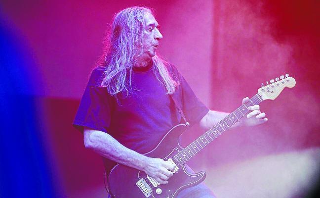 Rosendo y su medio siglo de rock recalan en el BEC