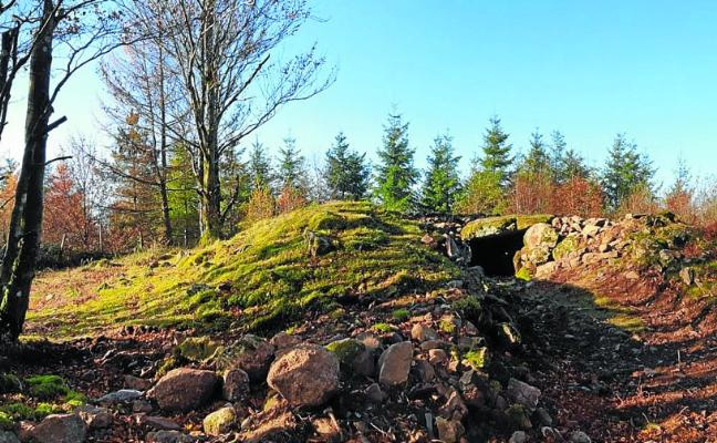 Restaurado otro dolmen de la ruta