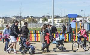 Una de cada cinco familias vascas aún no ha solicitado la ayuda extra por el segundo hijo