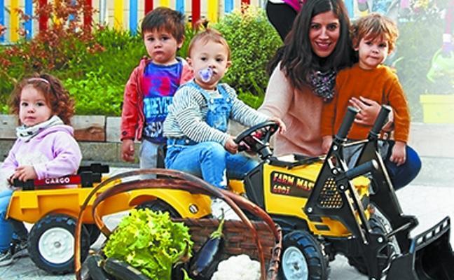 Taller de juegos con pedagogía Montessori para niños nacidos en 2017, en La Salle Berrozpe