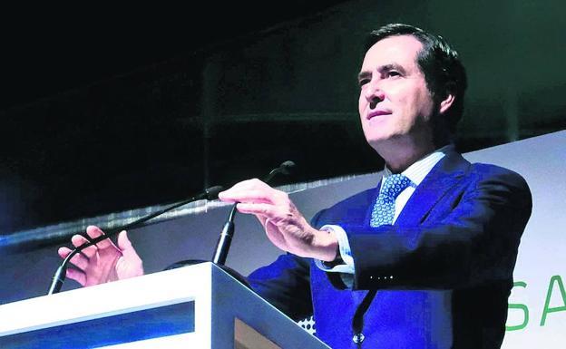 Garamendi alerta del daño que puede hacer a Euskadi la política del Gobierno en el automóvil