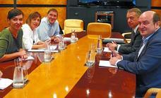 Urkullu descarta que EH Bildu vaya a ser un socio preferente aunque haya acuerdo presupuestario