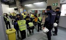 Sin incidentes a la entrada del Bernabéu