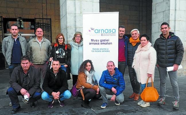 Brazadas solidarias en Elgoibar con los afectados por la fibrosis quística