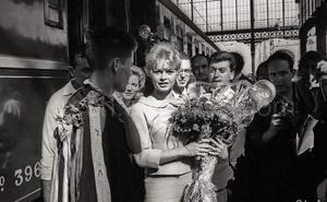 Brigitte Bardot, chaleco amarillo